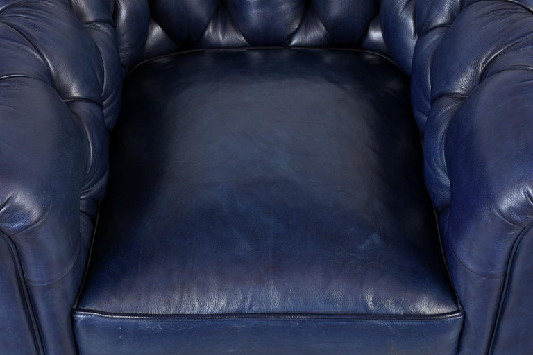 European Tufted English Chesterfield Leather Club Chair For Sale