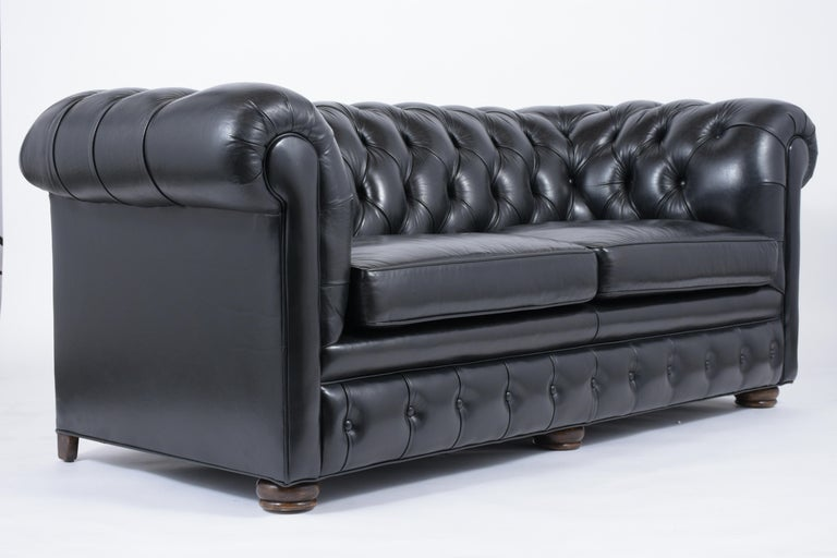 Tufted Leather Chesterfield Sofa In Good Condition For Sale In Los Angeles, CA