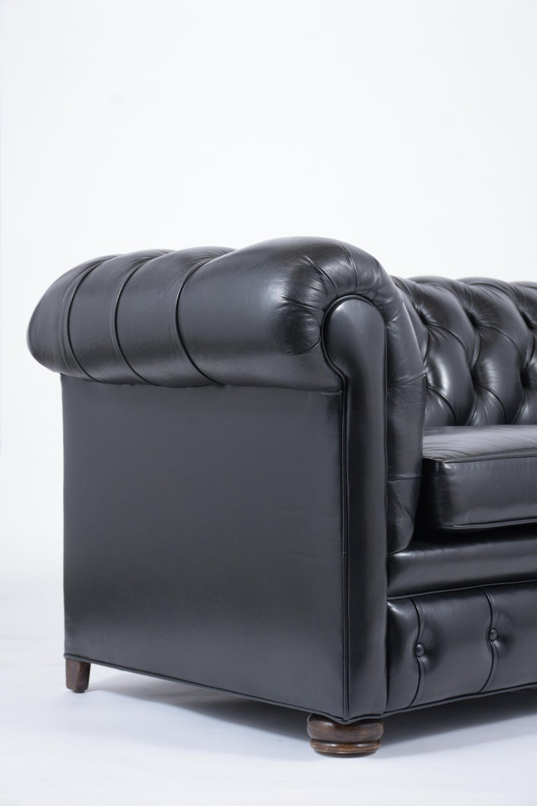 Tufted Leather Chesterfield Sofa For Sale 1