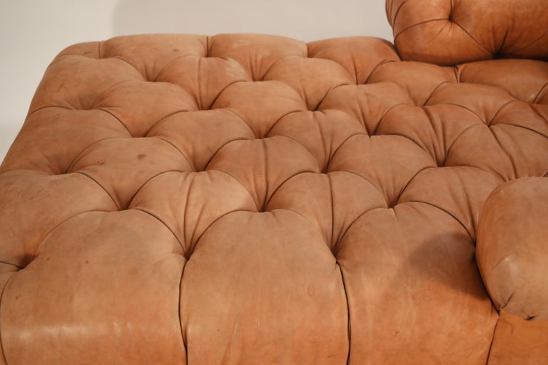 Tufted Distressed Leather Ralph Lauren Chesterfield Styled Chaise Lounge Daybed For Sale 7