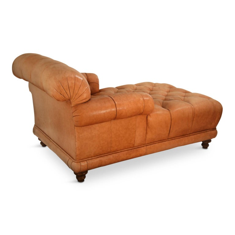 Tufted Distressed Leather Ralph Lauren Chesterfield Styled Chaise Lounge Daybed In Good Condition For Sale In Los Angeles, CA