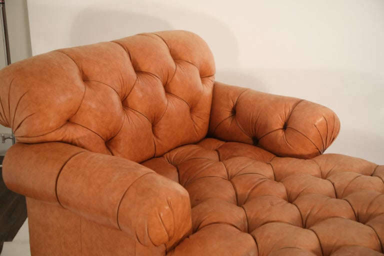 Tufted Distressed Leather Ralph Lauren Chesterfield Styled Chaise Lounge Daybed For Sale 2