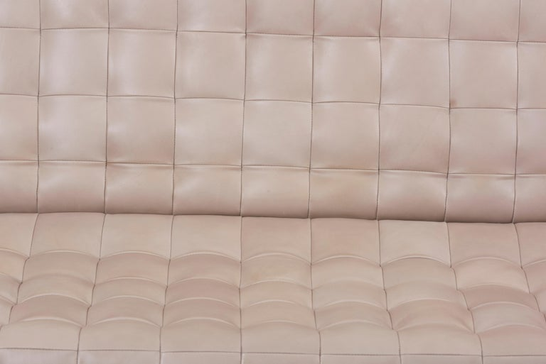 Tufted Sofa in Grey Leather by Milo Baughman for Thayer Coggin In Good Condition For Sale In Berlin, DE