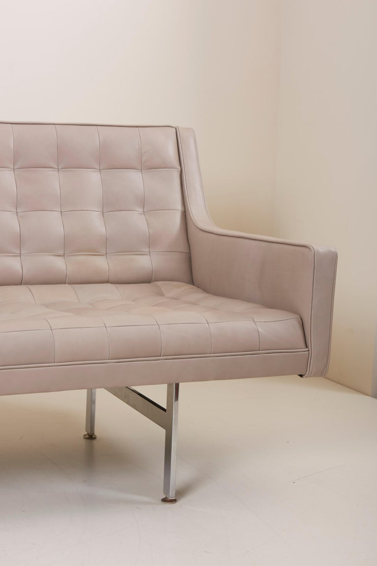 20th Century Tufted Sofa in Grey Leather by Milo Baughman for Thayer Coggin For Sale