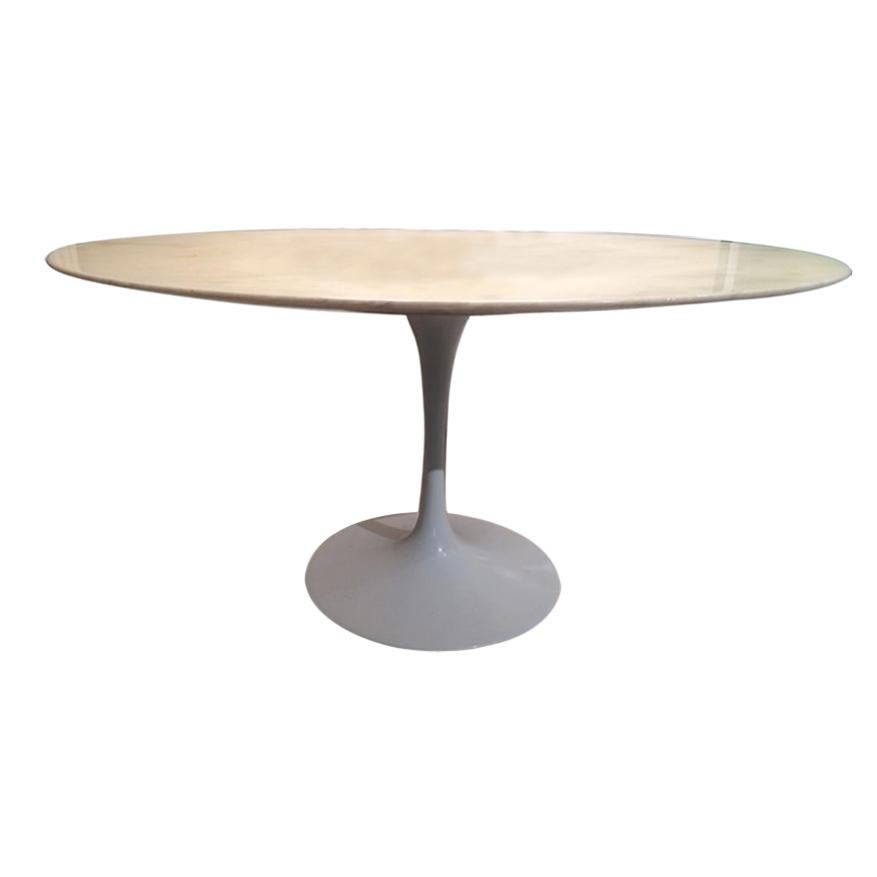 Tulip Oval Coffee Table by Eero Saarinen Knoll International 1960s Marble top