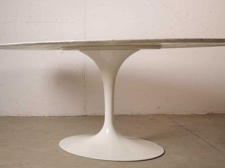 Tulip Oval Marble Dinning Table by Eero Saarinen for Knoll 3