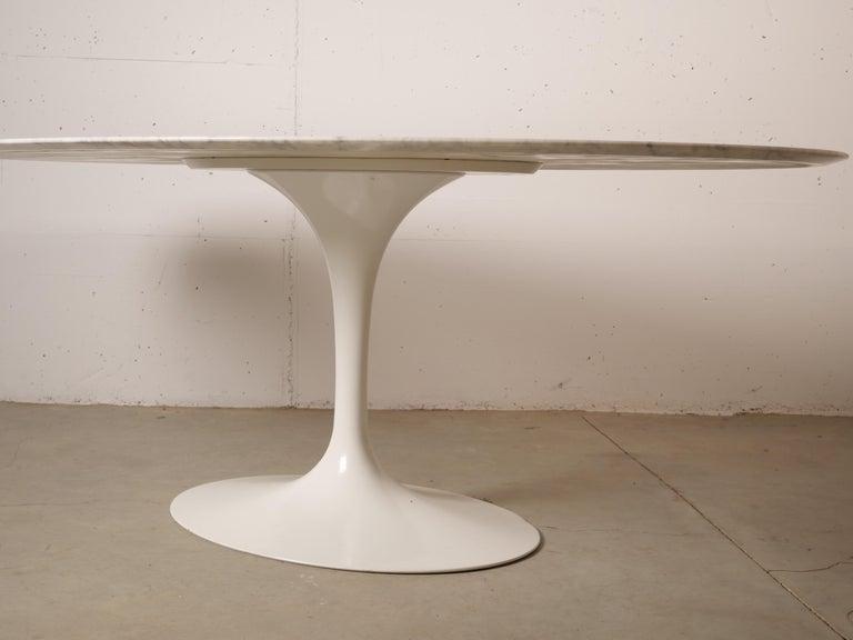 Tulip Oval Marble Dinning Table by Eero Saarinen for Knoll 6