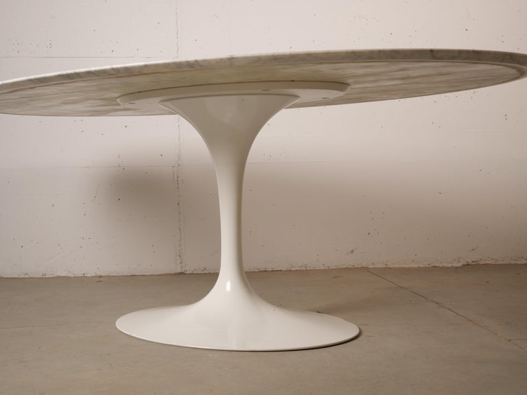 Tulip Oval Marble Dinning Table by Eero Saarinen for Knoll 7