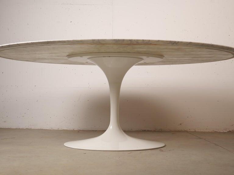 Tulip Oval Marble Dinning Table by Eero Saarinen for Knoll 10