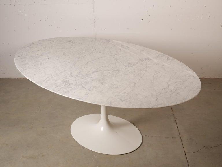 Mid-Century Modern Tulip Oval Marble Dinning Table by Eero Saarinen for Knoll