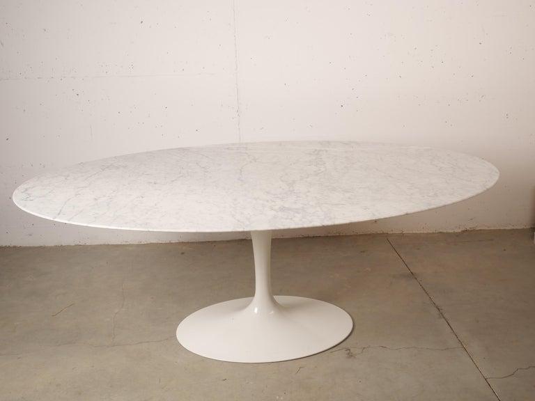 American Tulip Oval Marble Dinning Table by Eero Saarinen for Knoll