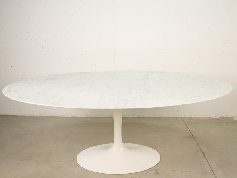 Tulip Oval Marble Dinning Table by Eero Saarinen for Knoll In Good Condition In Santa Gertrudis, Baleares
