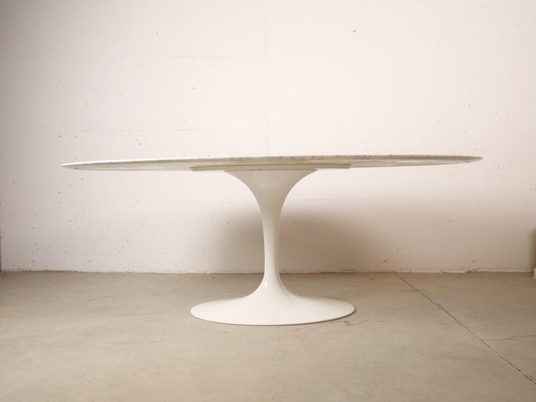 Late 20th Century Tulip Oval Marble Dinning Table by Eero Saarinen for Knoll