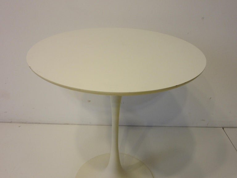 American Tulip Pedestal Side Table in the Style of Saarinen by Maurice Burke For Sale