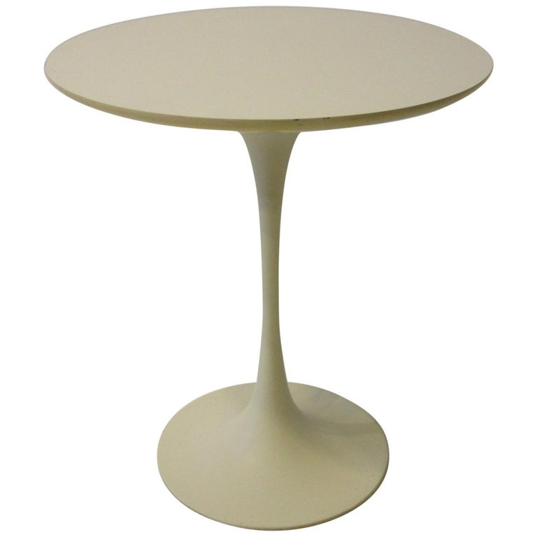 Tulip Pedestal Side Table in the Style of Saarinen by Maurice Burke For Sale