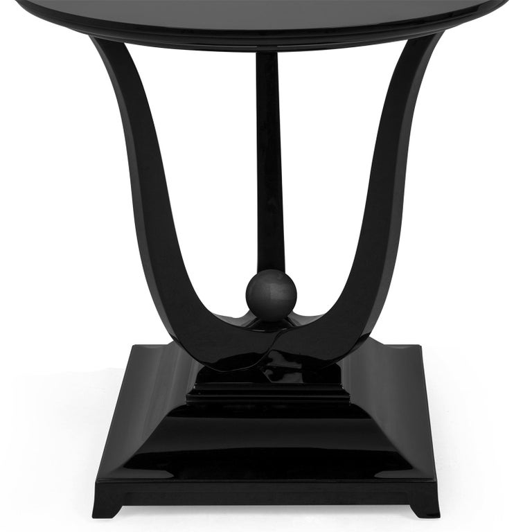 English Tulipe Lacquered Side Table For Sale