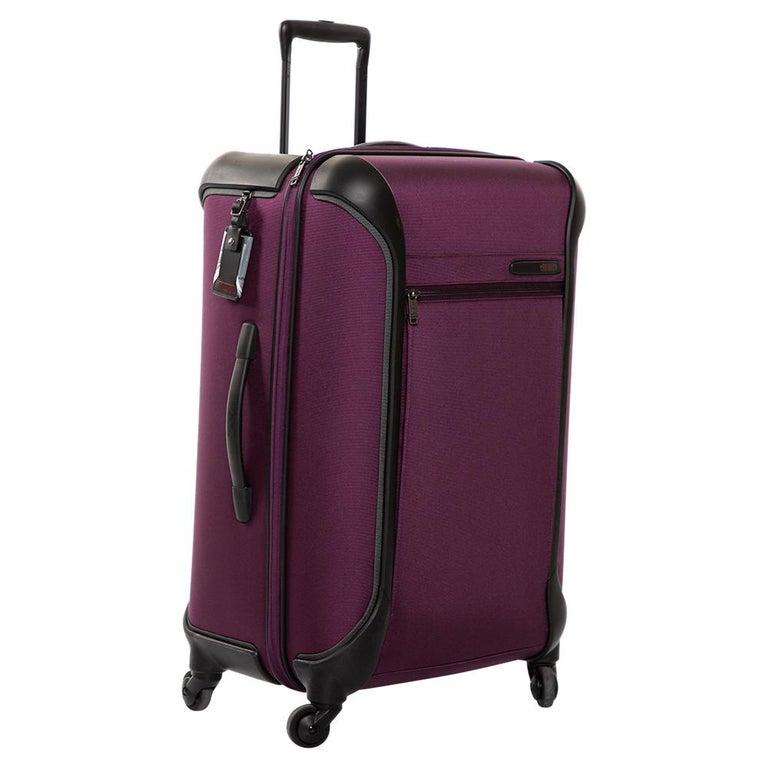 TUMI Purple Nylon Medium Gen 4.2 Lightweight Trip Packing Case Luggage In New Condition For Sale In Dubai, Al Qouz 2