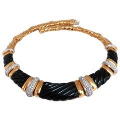 Turi 6.00 Carat Diamonds Jet Black Onyx Necklace 18 Karat Waving Detail