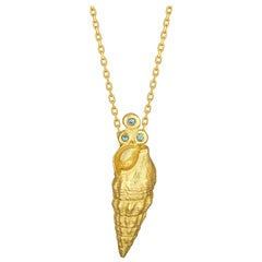 Turitella Pendant Necklace with Sapphire, 18 Karat Yellow Gold