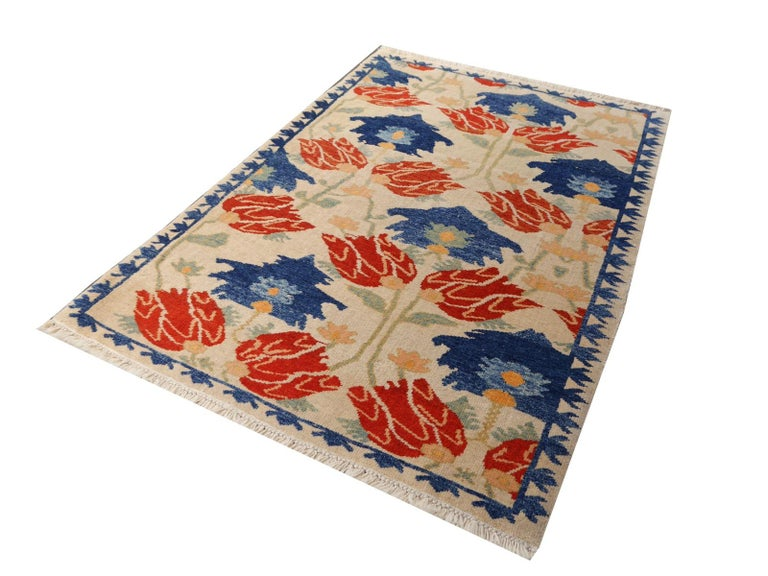 Contemporary Turkish Azeri Heriz Rug with Tulip Design Hand Knotted For Sale
