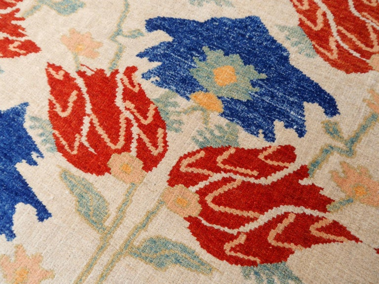 Turkish Azeri Heriz Rug with Tulip Design Hand Knotted For Sale 2