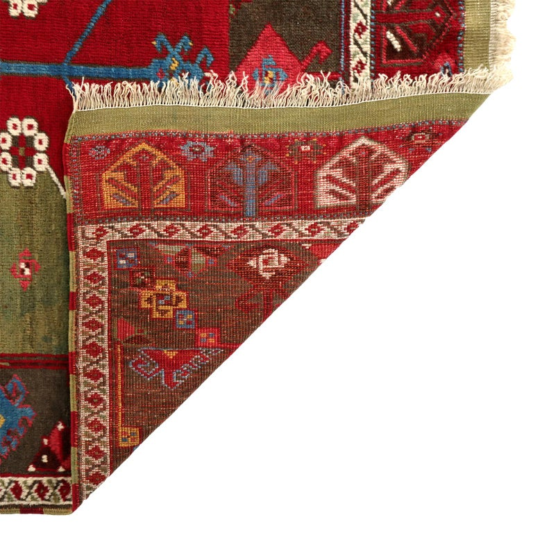 Early 20th Century Turkish Kirsehir Carpet circa 1920 in Pure Handspun Wool and Vegetable Dyes For Sale