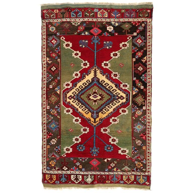 Turkish Kirsehir Carpet circa 1920 in Pure Handspun Wool and Vegetable Dyes For Sale