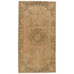 Turkish Oushak Rug Carpet, circa 1940  4'5 X 8'7