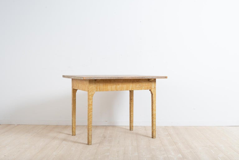 Hand-Crafted Turn of the Century 1800-1900 Swedish Provincial Gustavian Table For Sale