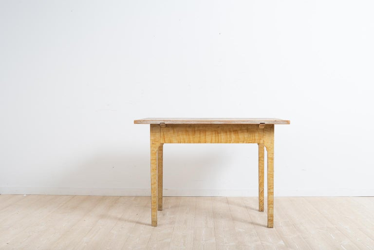 18th Century Turn of the Century 1800-1900 Swedish Provincial Gustavian Table For Sale
