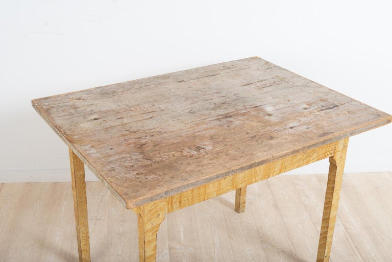 Pine Turn of the Century 1800-1900 Swedish Provincial Gustavian Table For Sale