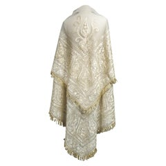 Turn-over shawl in Silk embroidered on Cotton Net - Circa 1840