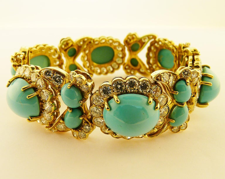Contemporary Turquoise and Diamond 18 Karat Yellow Gold Set For Sale