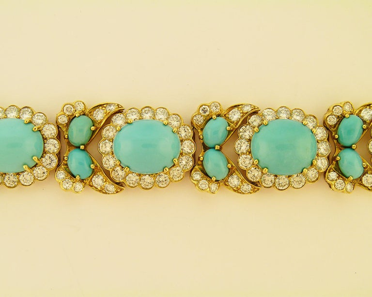Turquoise and Diamond 18 Karat Yellow Gold Set In Excellent Condition For Sale In New York, NY