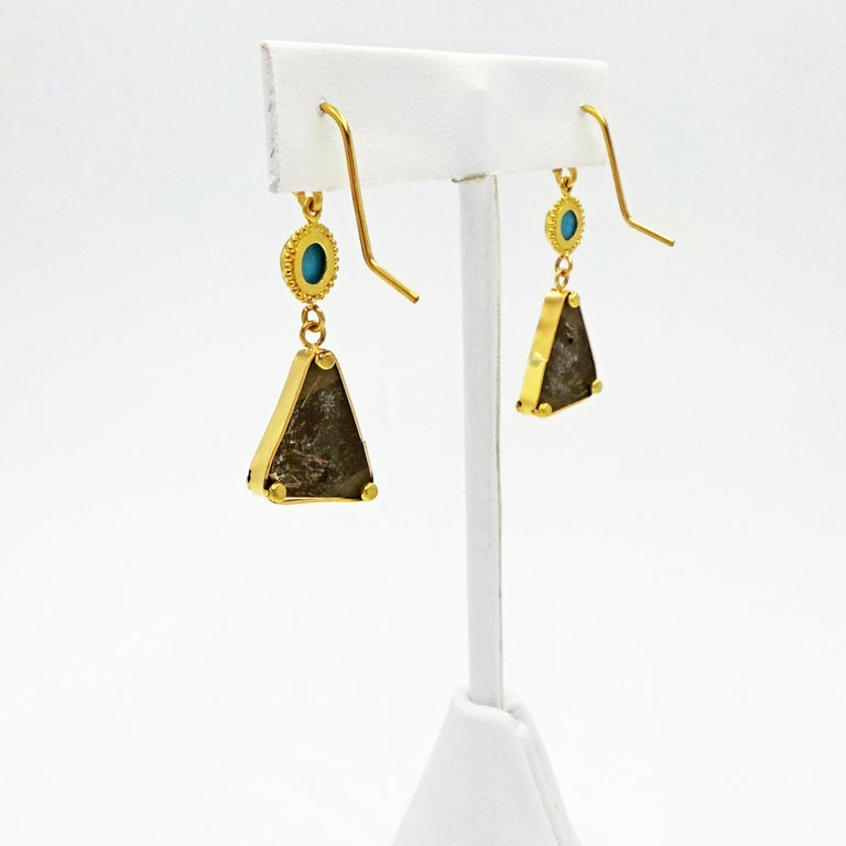 Turquoise and 22k Yellow Gold Dangle Earrings In New Condition For Sale In Naples, FL
