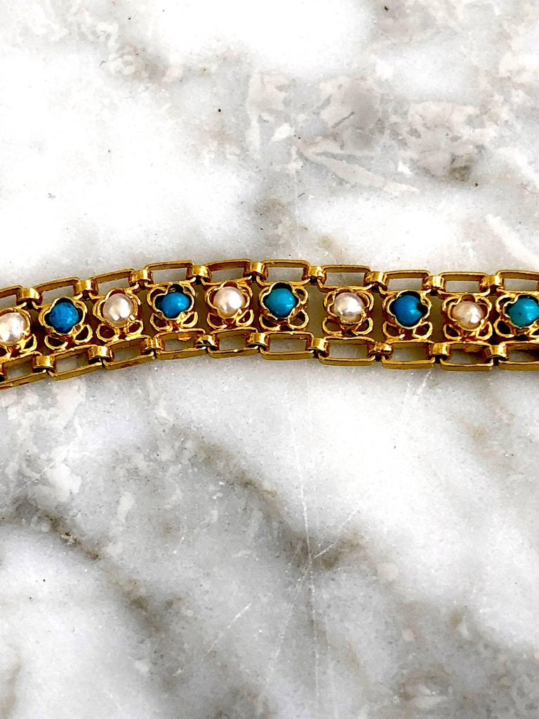 Turquoises and Pearls 18K Gold Link Bracelet In As New Condition For Sale In Paris, FR