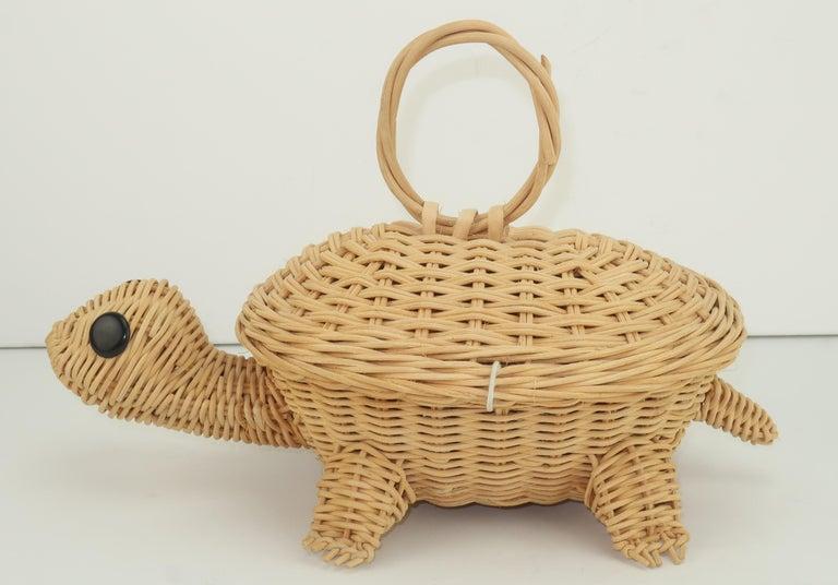 Brown Turtle Wicker Basket Novelty Handbag, 1960's For Sale