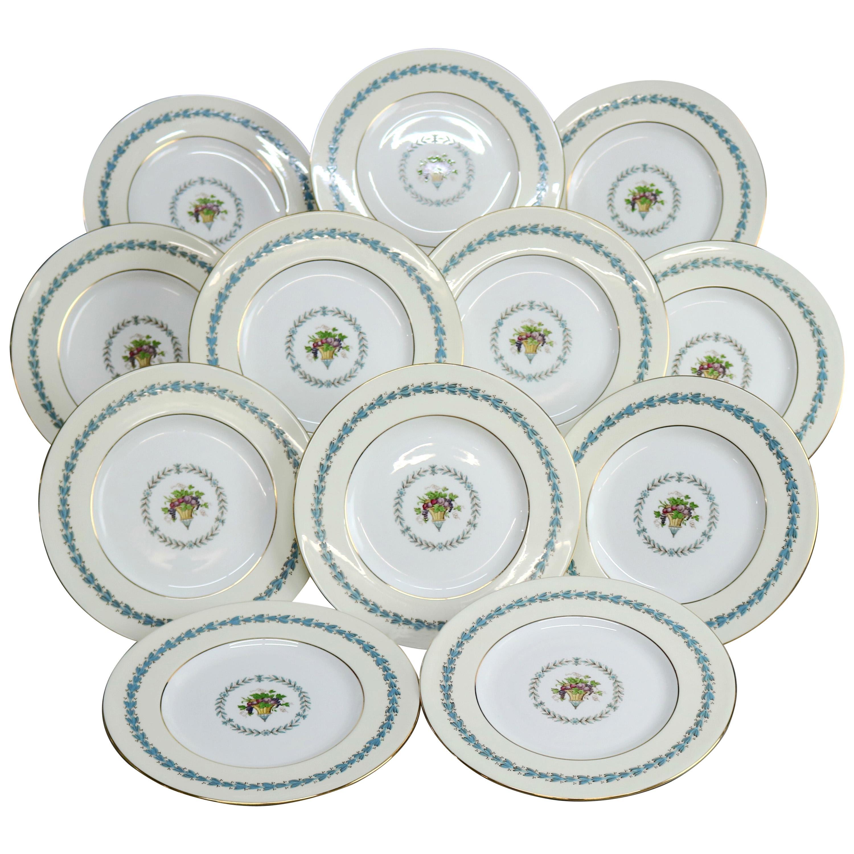 Twelve English Wedgwood Appledore Fine China Dinner Plates Pattern W3257