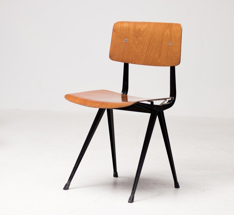 Twelve Friso Kramer Result Chairs, 1952 In Good Condition For Sale In Dronten, NL