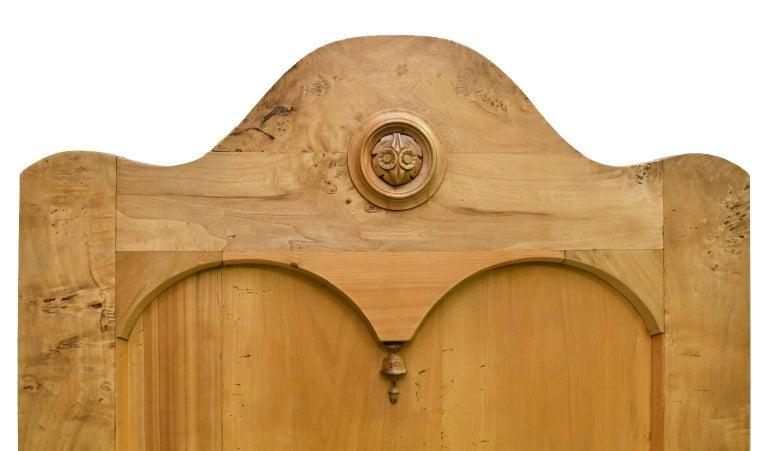 Twin-Size Austrian Biedermeier Bed in Birch, circa 1830 For Sale 5