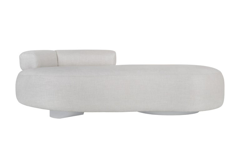 Twins Chaise Longue Wood Light Grey Lacquered Cotton Linen Fabric For Sale 5