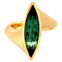 Georg Spreng - Twist Ring 18 Karat Yellow Gold with Green Tourmaline Marquise