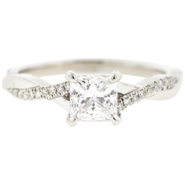 Twisted Princess Cut Diamond Ring '1 Carat, Certified' with Diamond Pave For Sale