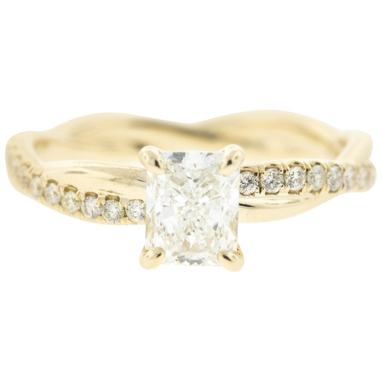 Twisted Yellow Gold Diamond Engagement Ring with Radiant Center Diamond  (1CT) For Sale
