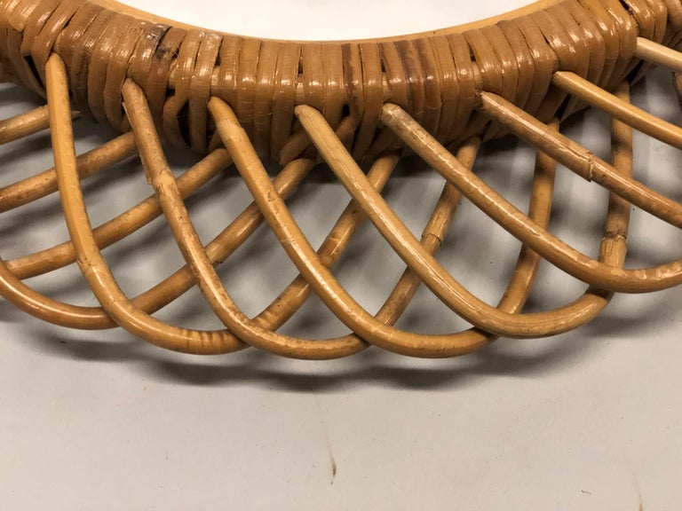 2 Italian Mid-Century Modern Rattan and Bamboo Wall Mirrors Attributed to Albini For Sale 3