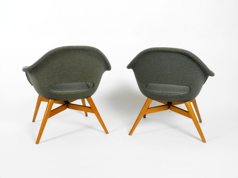 Two Lounge Chairs Miroslav Navratil with Fiberglass Shell and Original Cover In Good Condition For Sale In München, DE