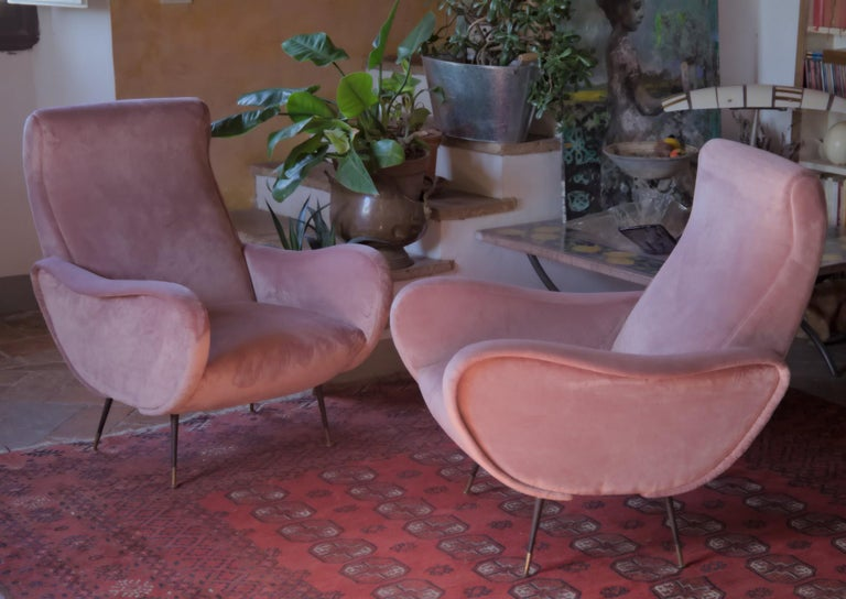 Two Armchairs, Fully Restored High Pile English Rose Cotton Velvet In Good Condition For Sale In Tavarnelle val di Pesa, Florence