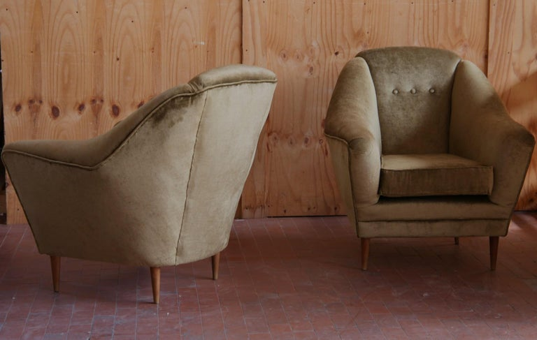 Two Armchairs, Midcentury Italian, Reupholstered Fully Padded, Cotton Velvet For Sale 7