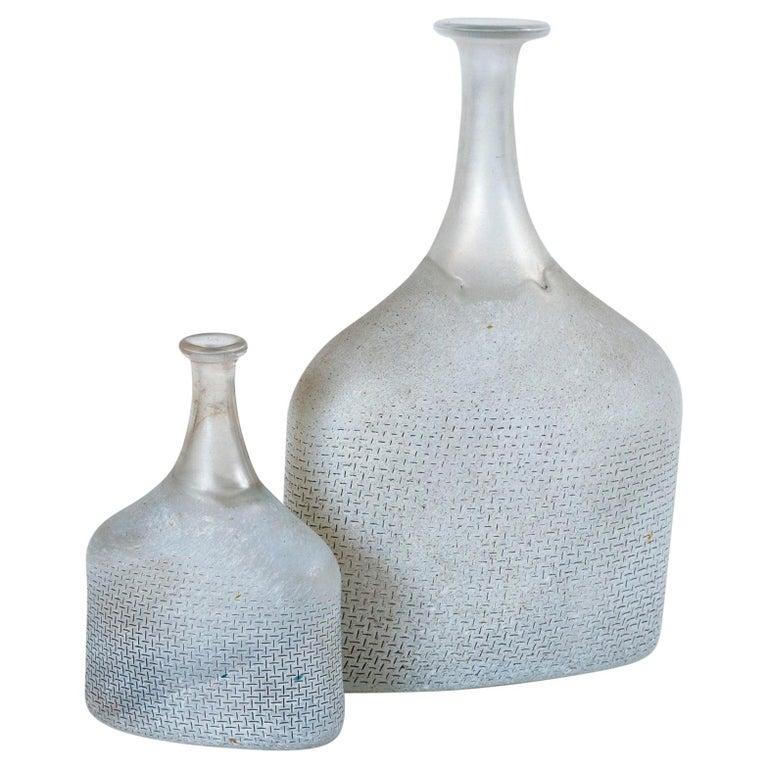 Two Art Glass Vases, Bertil Valien, Kosta Boda, Sweden, circa 1970 For Sale