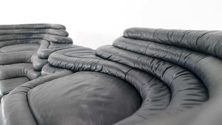 Two De Sede, Terrazza Sofa, Black Leather by Ubald Klug & Ueli Berger in 1972 For Sale 4